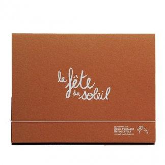 Pochette publicitaire A4 ou A5 en carton recyclé - fermeture élastique - CHARLINE