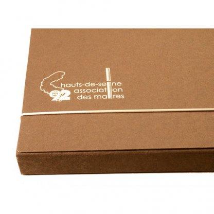 Pochette Publicitaire En Carton Recyclé Fermeture élastique Marron CHARLINE