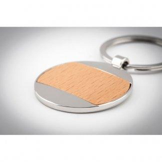 Porte-clés rond publicitaire en bois et zinc - En situation - MATIKAS