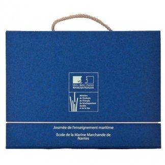 Valisette publicitaire A4 ou A5 en carton recyclé - poignée corde - bleu - VALENTINE